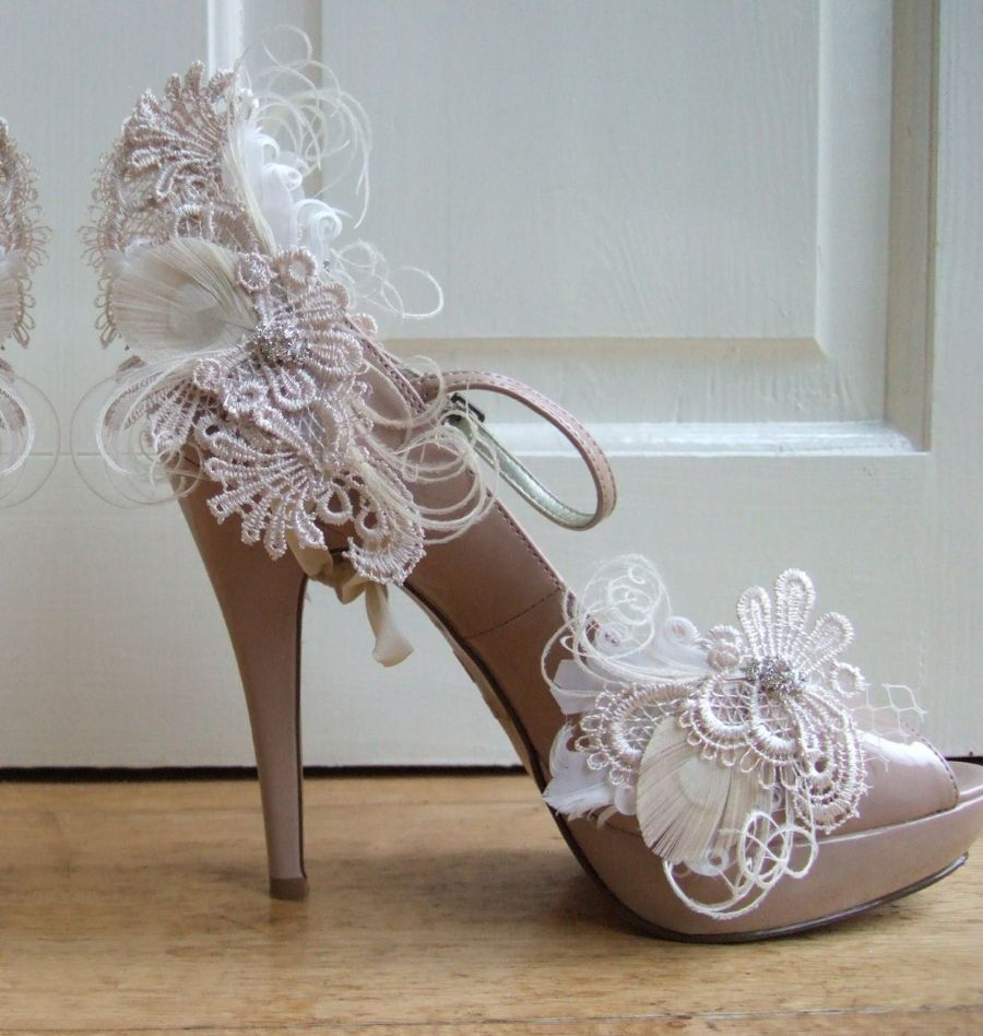 White Cream Feather Guipure Lace Peacock Feather Heel Wrap and Shoe Clips. Cottage Chic Wedding Ideas